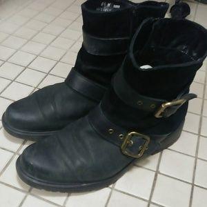 Munro black leather moto boots